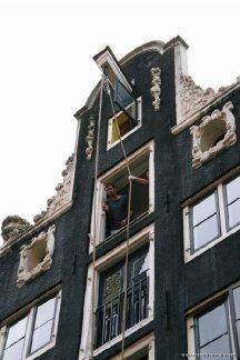 85735-moving-house-dutch-style-amsterdam-netherlands